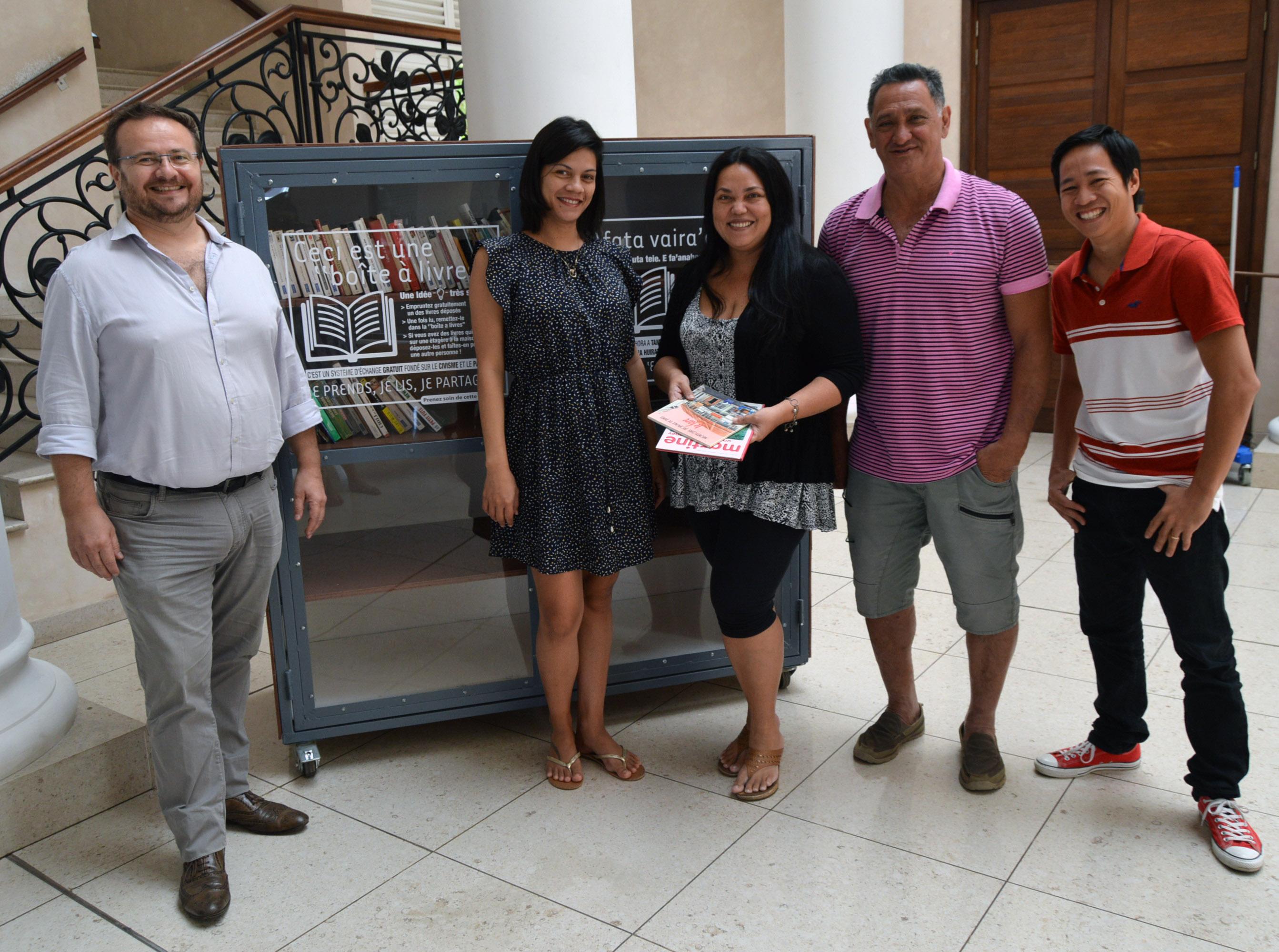La première boite à livres est disponible dans le hall de la mairie de Pirae.