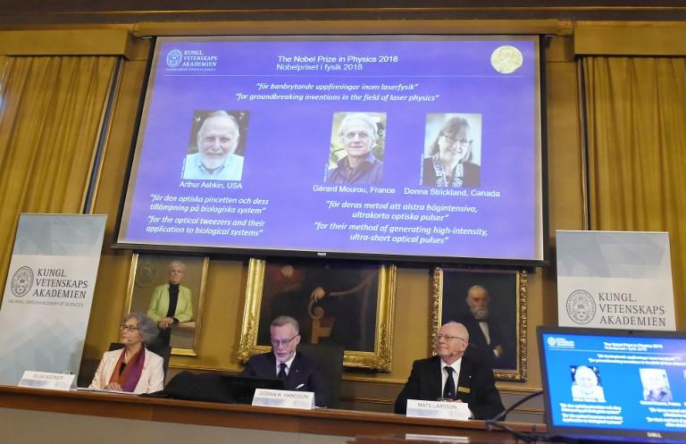 Le prix Nobel de physique à trois pionniers des lasers, dont un Français