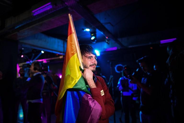 """Roumanie: """"oui"""" à l'interdiction du mariage gay lors d'un référendum invalidé par l'abstention"""