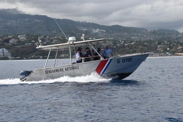 La brigade nautique mènet quotidiennement des missions de surveillance des plans d'eau depuis l'arrivée des premières baleines dans nos eaux.