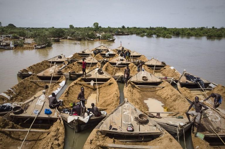 Mali: 26 morts dans le chavirement de pirogues