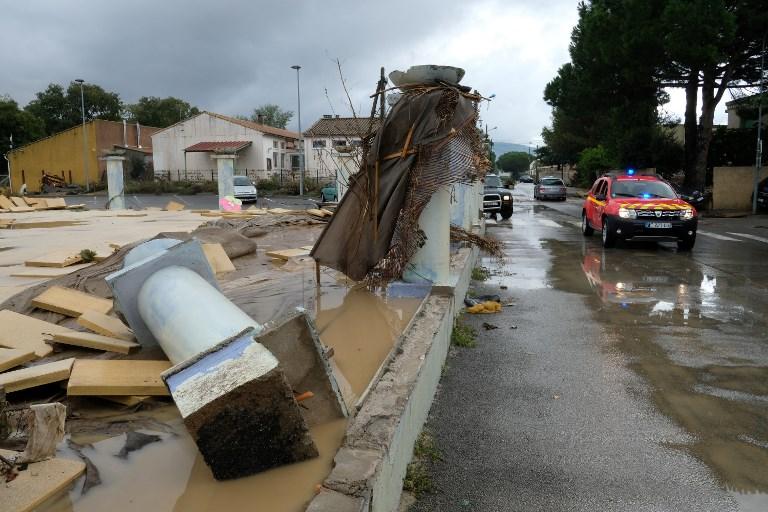 Les inondations ayant fait 11 morts et 3 disparus dans l'Aude ont touché plus de 70 communes, a indiqué mardi à l'AFP le préfet du département Alain Thirion, mais plus d'une centaine devraient être recensées au terme de l'inventaire.