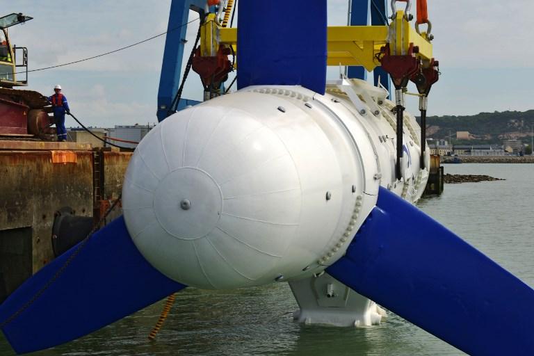 Nouvelle immersion de l'hydrolienne Sabella au large d'Ouessant