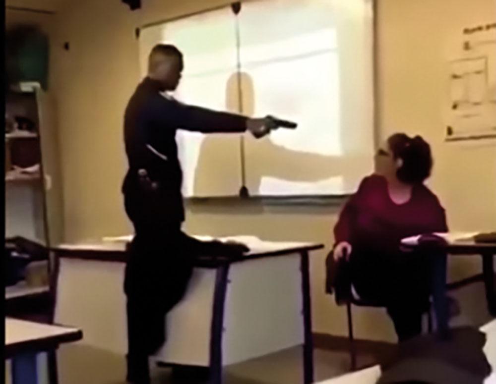 Le lycéen qui avait braqué sa professeure avec une arme factice mis en examen