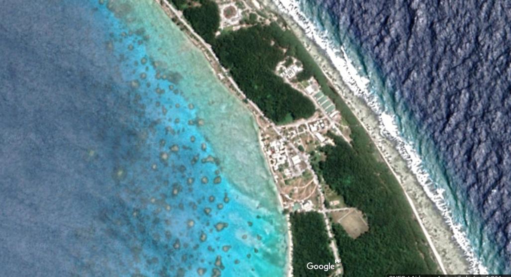 L'atoll de Moruroa vu sur Google Earth.