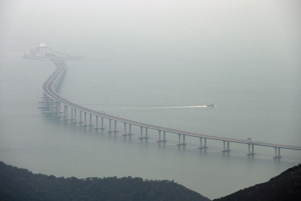 De Hong Kong à Macao sur le plus long pont maritime au monde