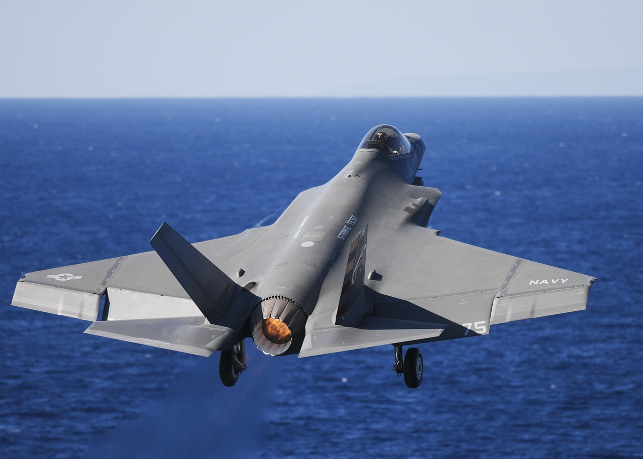 Défense : la Belgique opte pour le F-35 américain quitte à déplaire