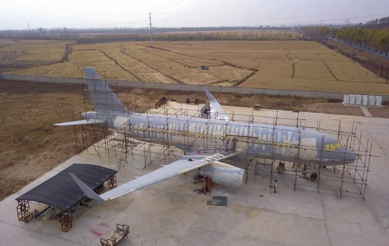 Chine: un paysan qui rêvait de piloter un avion finit par en construire un