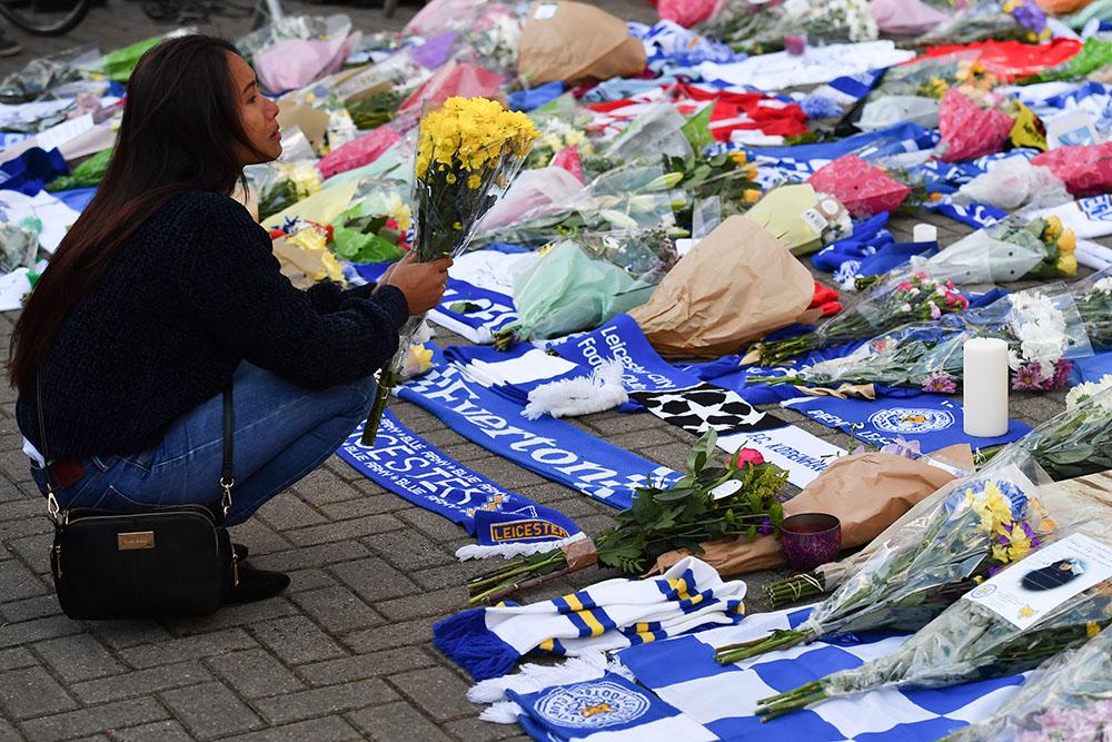 Cinq morts, dont le président du club de foot de Leicester City dans le crash de son hélicoptère