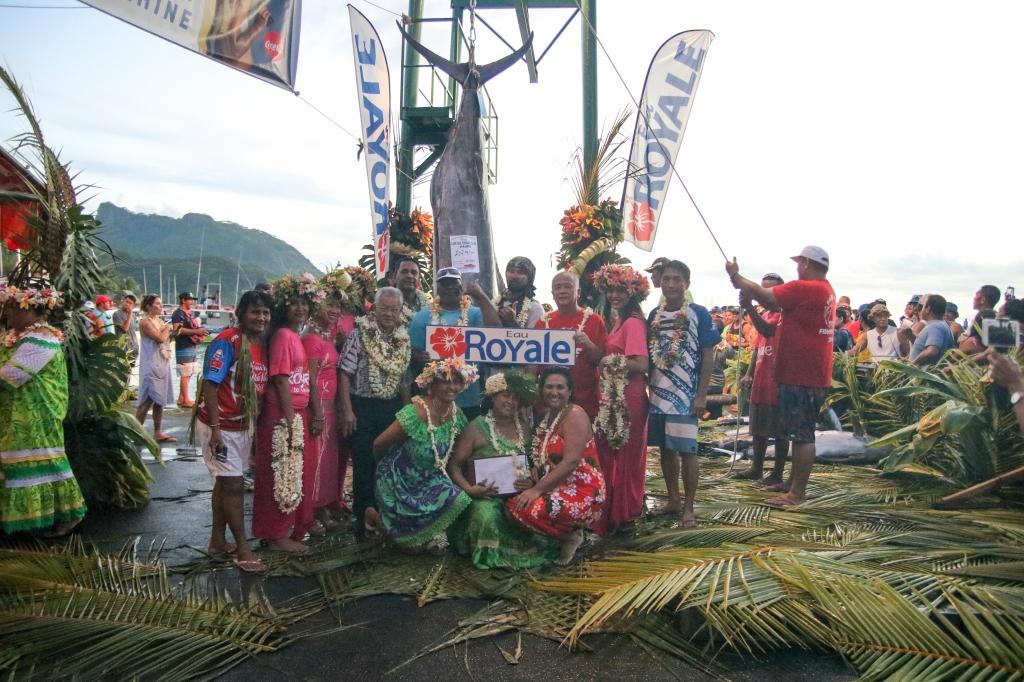 Un concours de pêche en attendant le départ de la Hawaiki Nui Va'a