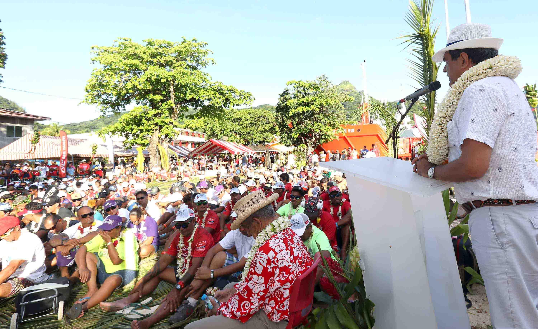 Le président à la cérémonie d'ouverture de la course Hawaiki Nui Va'a