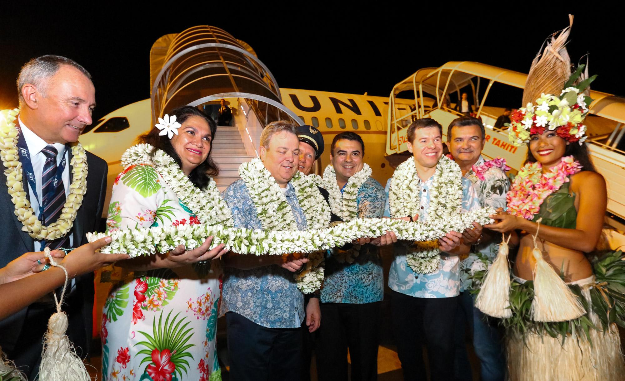 Cérémonie officielle pour l'arrivée à Tahiti du premier vol United Airlines