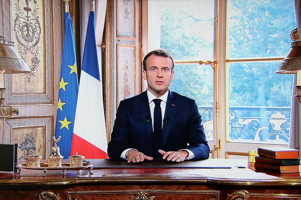 """Nouvelle-Calédonie: Macron exprime sa """"fierté"""""""