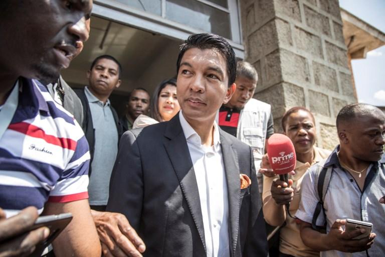 Andry Rajoelina obtient 43,5% des suffrages.