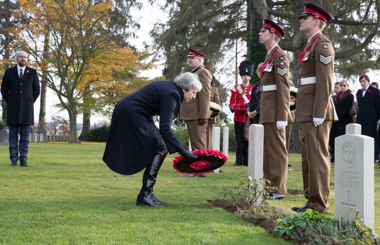 Theresa May rejoint le périple mémoriel de Macron dans la Somme