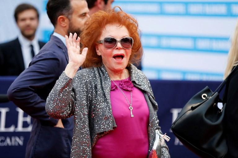 """A bientôt 89 ans, Régine croque ses """"gueules de nuit"""" préférées"""