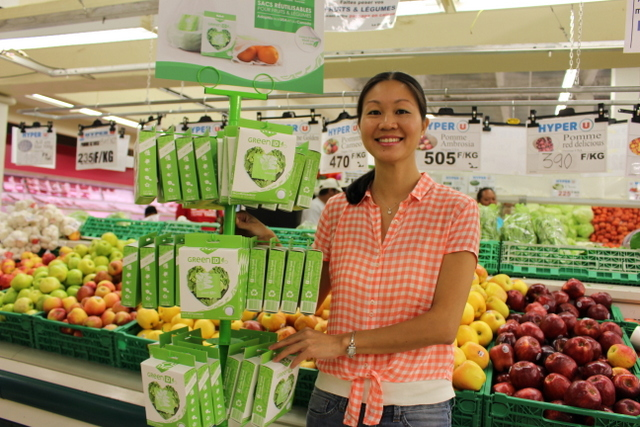 Des paniers en pandanus ou sacs en tissu plutôt que des sacs en plastique