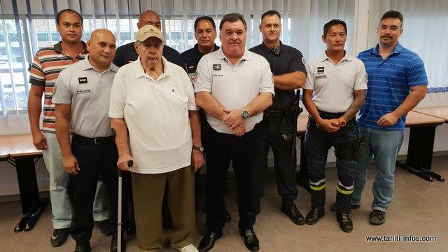 Sept fonctionnaires de police ont reçu une promotion vendredi matin.