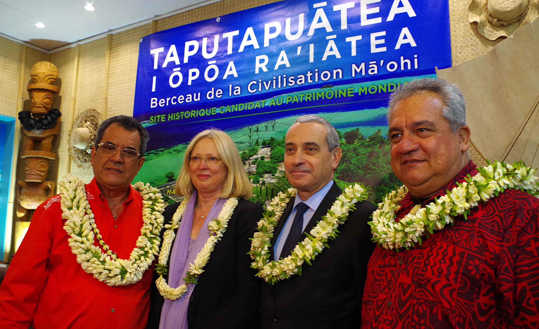 Remise du certificat d'inscription de Taputapuātea au patrimoine de l'UNESCO