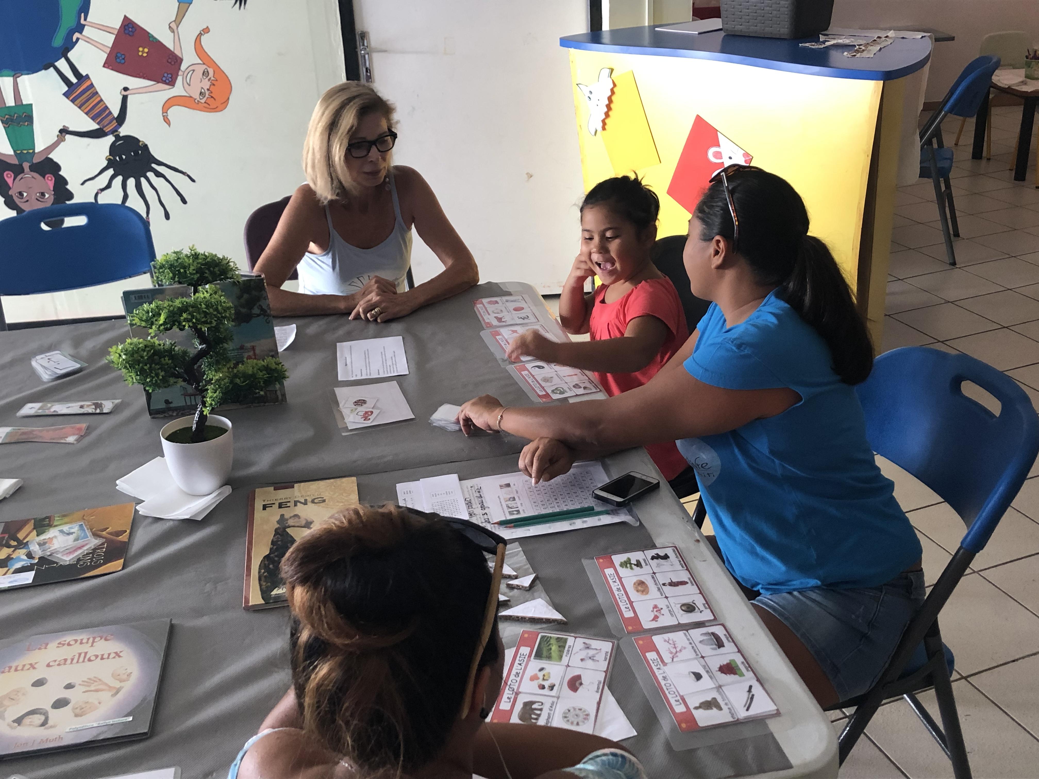 """""""La vraie prévention se passe dans la petite enfance, de 0 à 5 ans, avec un soutien des parents. Il faut privilégier la prise en charge très précoce des jeunes enfants avec les parents,"""" a insisté le directeur du Fare Tama Hau."""