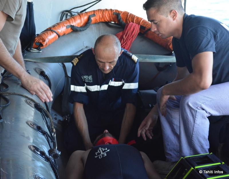 """Un exercice """"Homme à la mer"""", toujours utile sur un bateau, mais également pour les missions de secours en mer."""