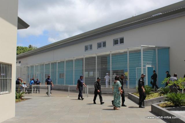 """Teva i uta """"bénéficie de l'implantation d'un nouveau collège (Mataiea) et d'un nouveau centre pénitentiaire (Papeari)"""", analyse l'ISPF."""