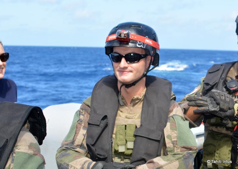 Commissaire est un métier administratif, mais dans la marine tout le monde est militaire...