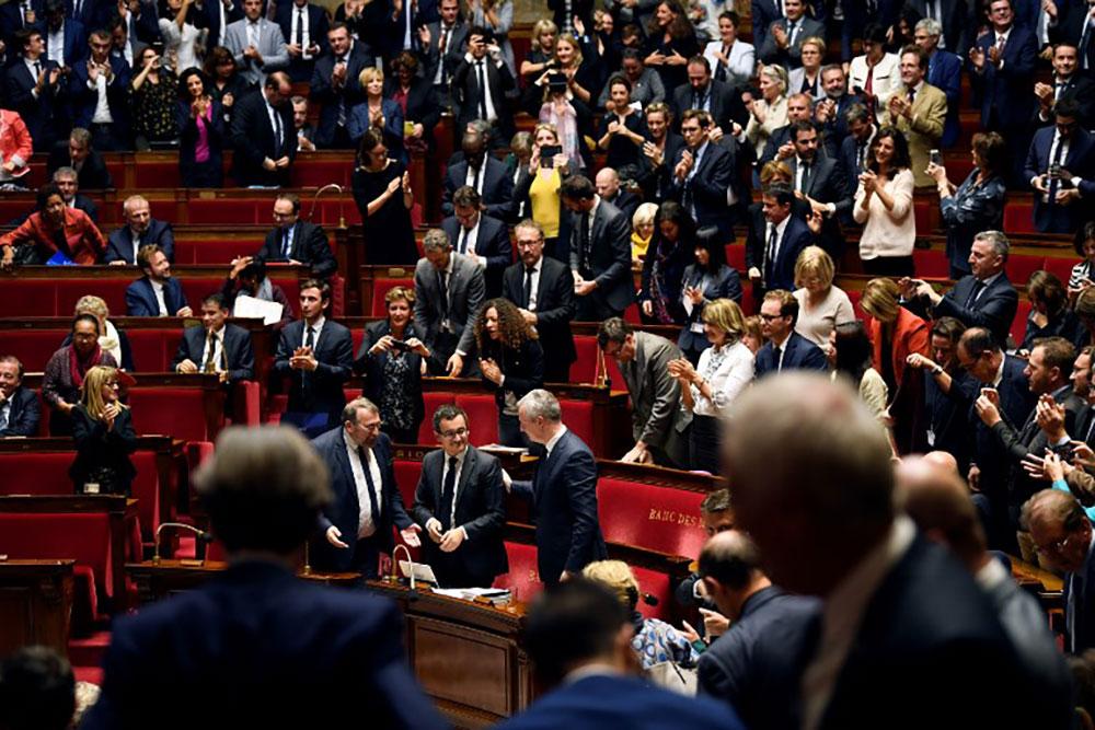 """""""Gilets jaunes"""" : les annonces rebattent les cartes budgétaires pour 2019"""