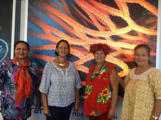 La Polynésie est représentée par une délégation composée d'Irmine Tehei, présidente de l'association polynésienne, de Raymonde Raoulx, d'Eliane Tevahitua et d'Armelle Merceron.