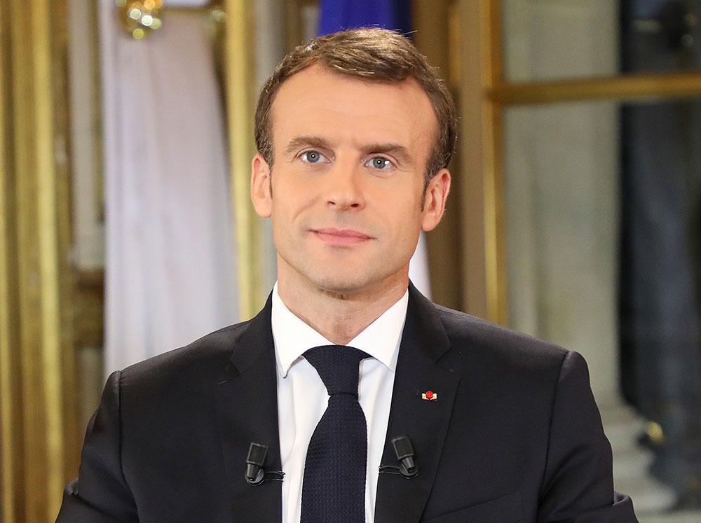 """Macron tente de calmer la colère, réactions contrastées des """"gilets jaunes"""""""