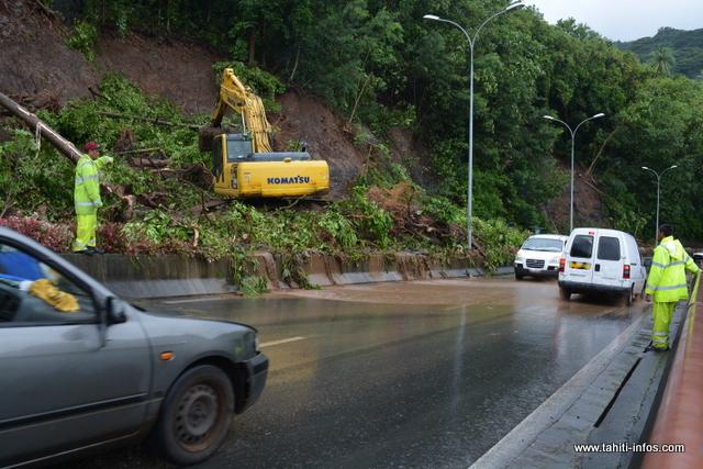 Plus d'une centaine d'agents de la Subdivision territoriale de Tahiti (STT) se mobilise pour nettoyer ce qu'il faut.
