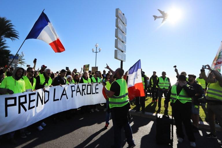 """Les """"gilets jaunes"""" déterminés avant """"l'acte V"""", malgré Strasbourg et les annonces de Macron"""