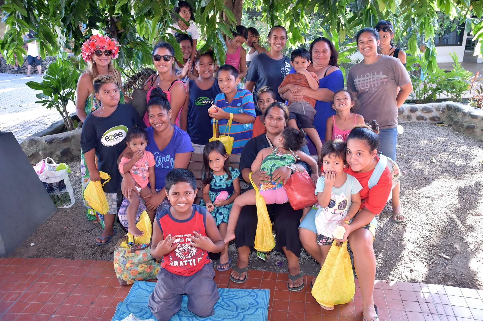 Les enfants et accompagnatrices Kiwanis de Te Auna de Pirae!