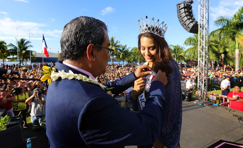 Vaimalama Chaves, chevalier de l'ordre de Tahiti Nui