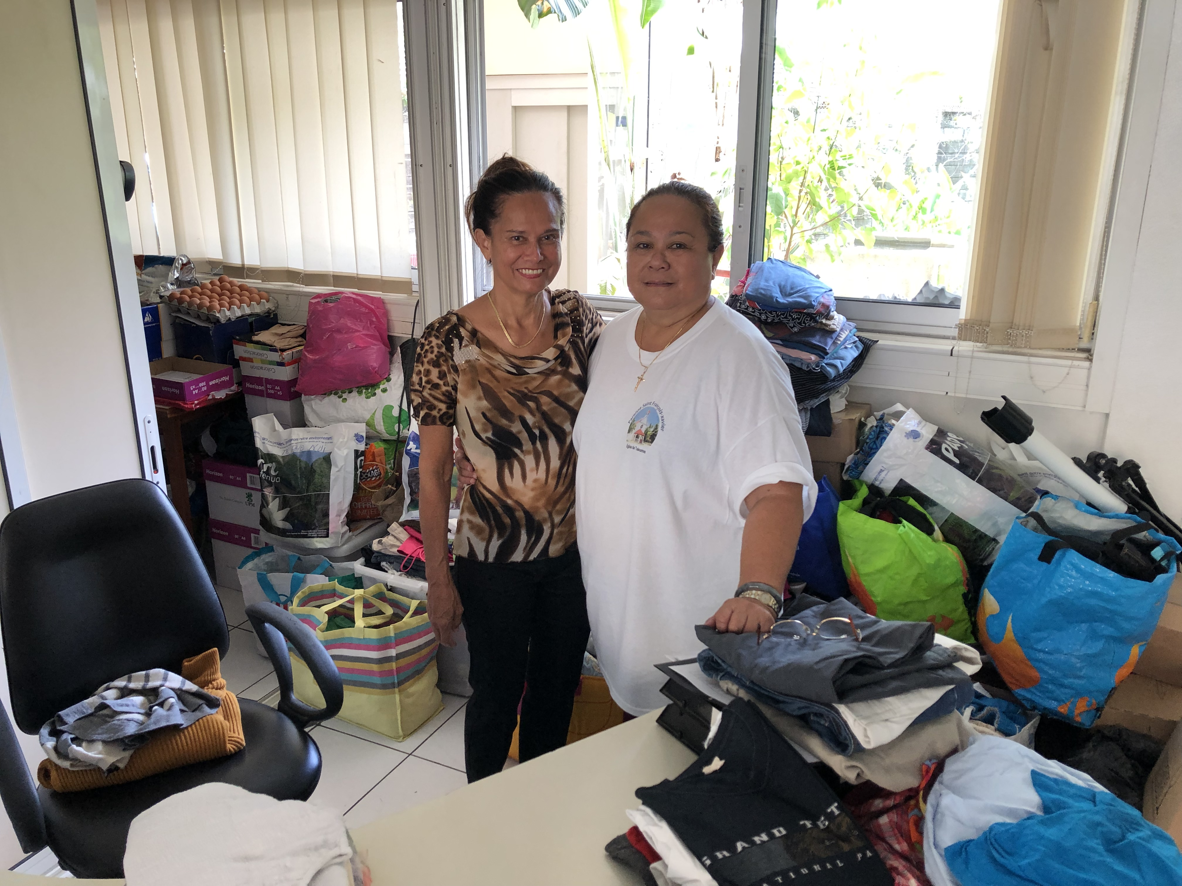 Les nombreux dons reçus sont minutieusement trié par l'équipe de bénévole.