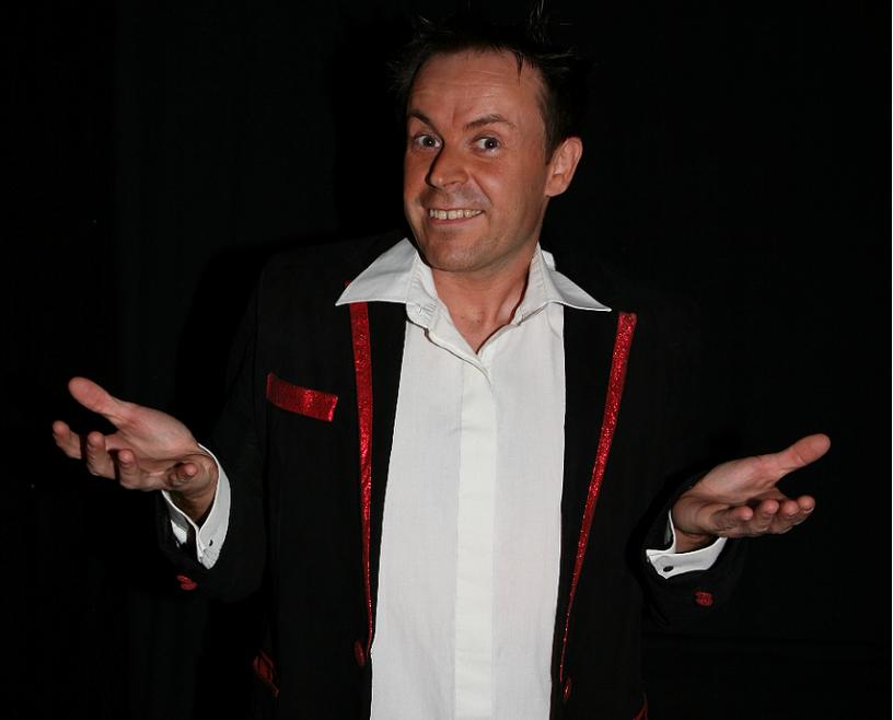 Max Le Riochet a été champion de France de magie 2011.