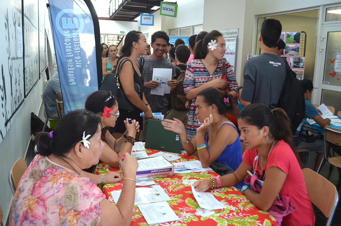 Ces journées portes ouvertes sont une occasion unique pour visiter le campus, échanger avec des étudiants, rencontrer des enseignants. Crédits photos : Communication UPF.