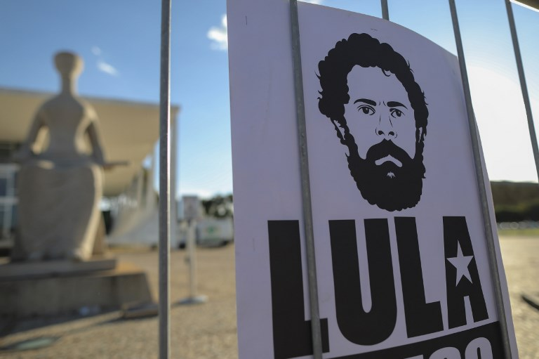 Brésil : son frère déjà enterré, Lula refuse de sortir de prison