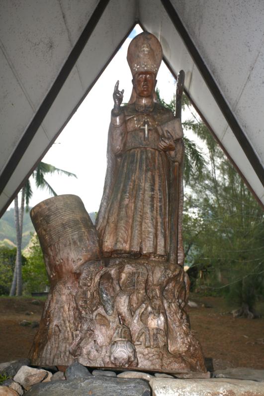 Monseigneur Dordillon veille toujours sur ses paroissiens