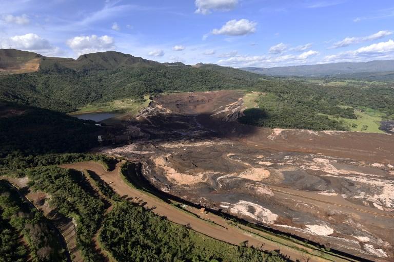 """Brésil : évacuations """"préventives"""" près de deux barrages miniers"""