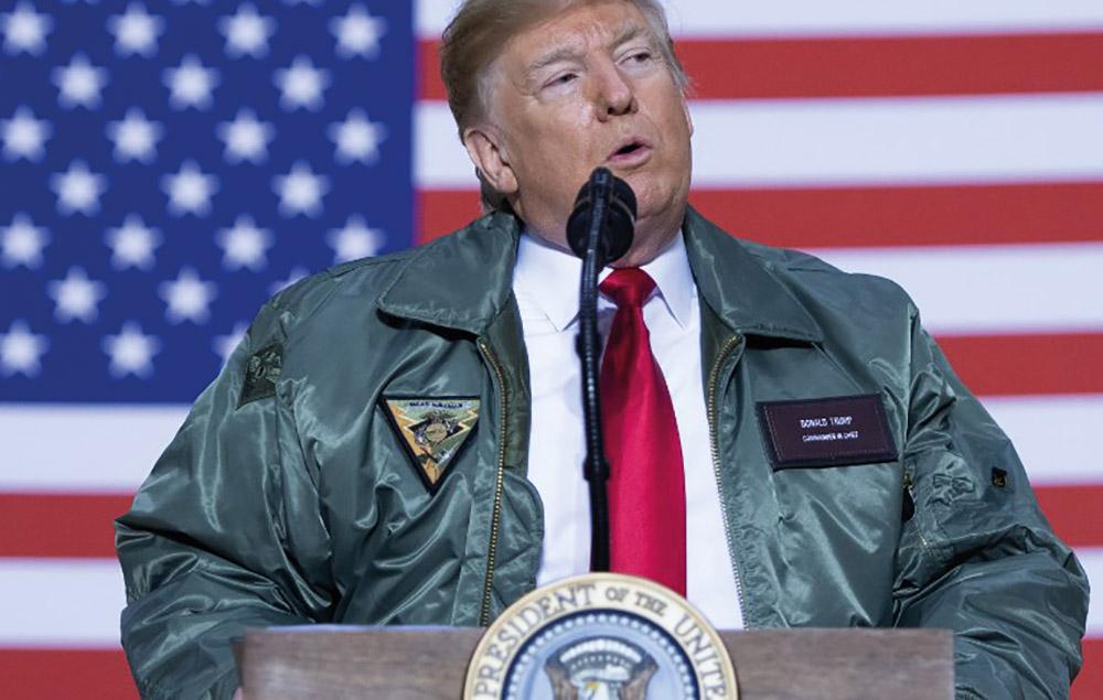 Soupçonné de se la couler douce, Donald Trump assure travailler dur
