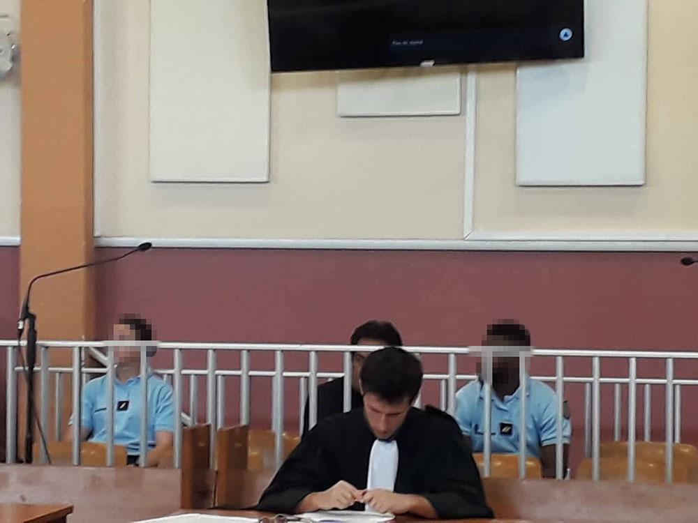 En ce deuxième jour de procès, l'accusé s'est montré très abattu.