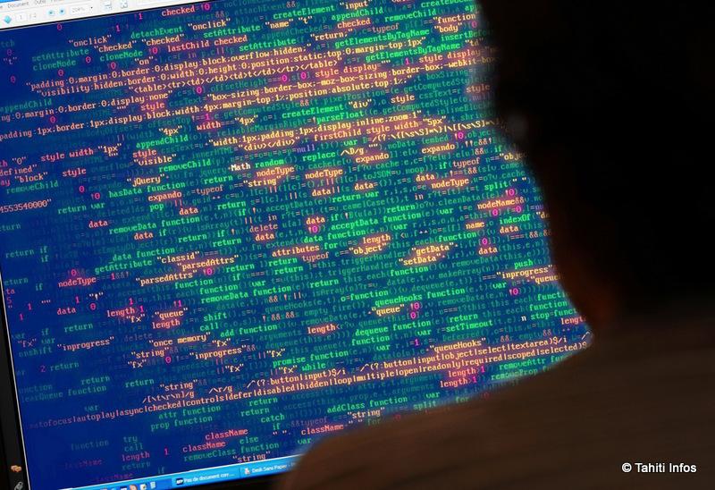 L'arme préférée des pirates qui s'attaquent à nos comptes en ligne est le phishing. Redoublez de vigilance face aux e-mails suspects, et accédez directement à vos comptes en ligne depuis un raccourci ou en tapant leur URL !