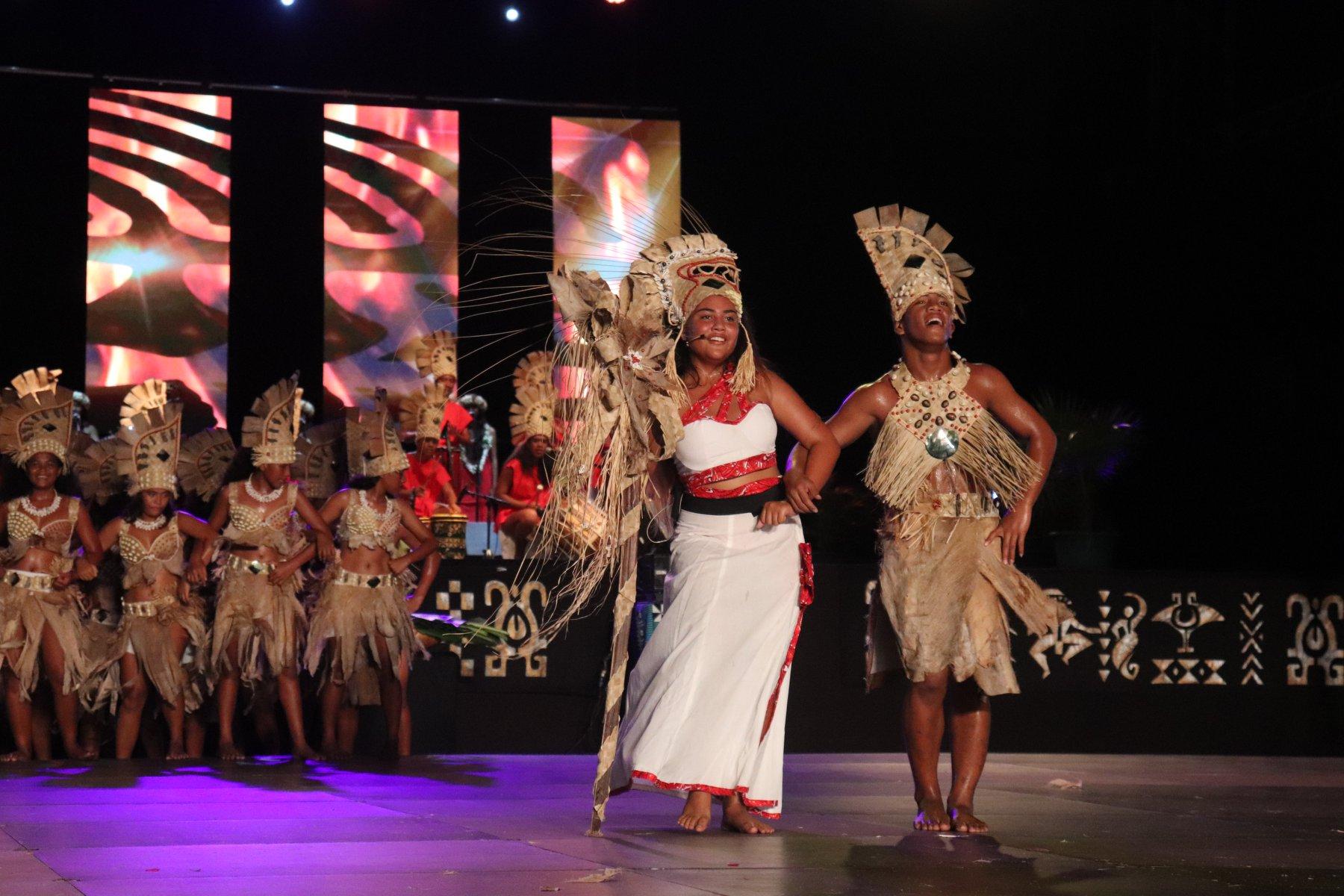 Le collège de Makemo remporte le grand prix de la seconde édition du Heiva Taure'a, qui s'est tenue ce week-end à To'atā. Crédit photos : TFTN