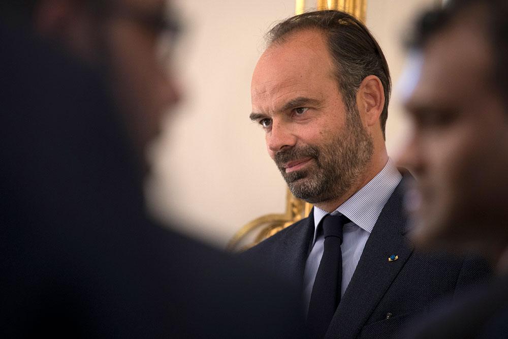 """""""Gilets jaunes"""": Philippe reconnaît accroître la pression sur les forces de l'ordre"""