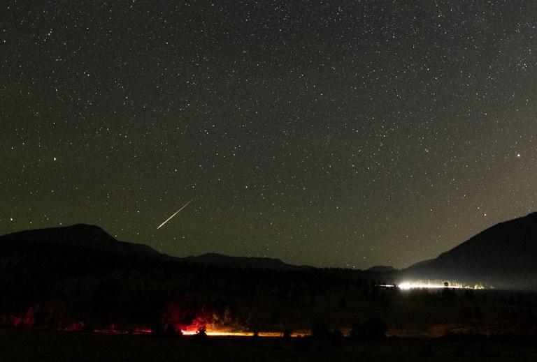 Un météore perce le ciel de Los Angeles? Non, un coup de com'