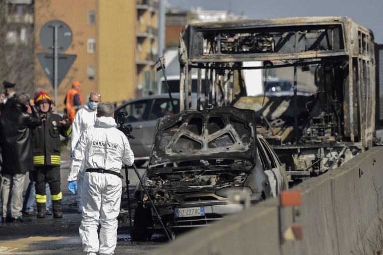 L'Italie, sous le choc, s'interroge après le détournement d'un bus scolaire