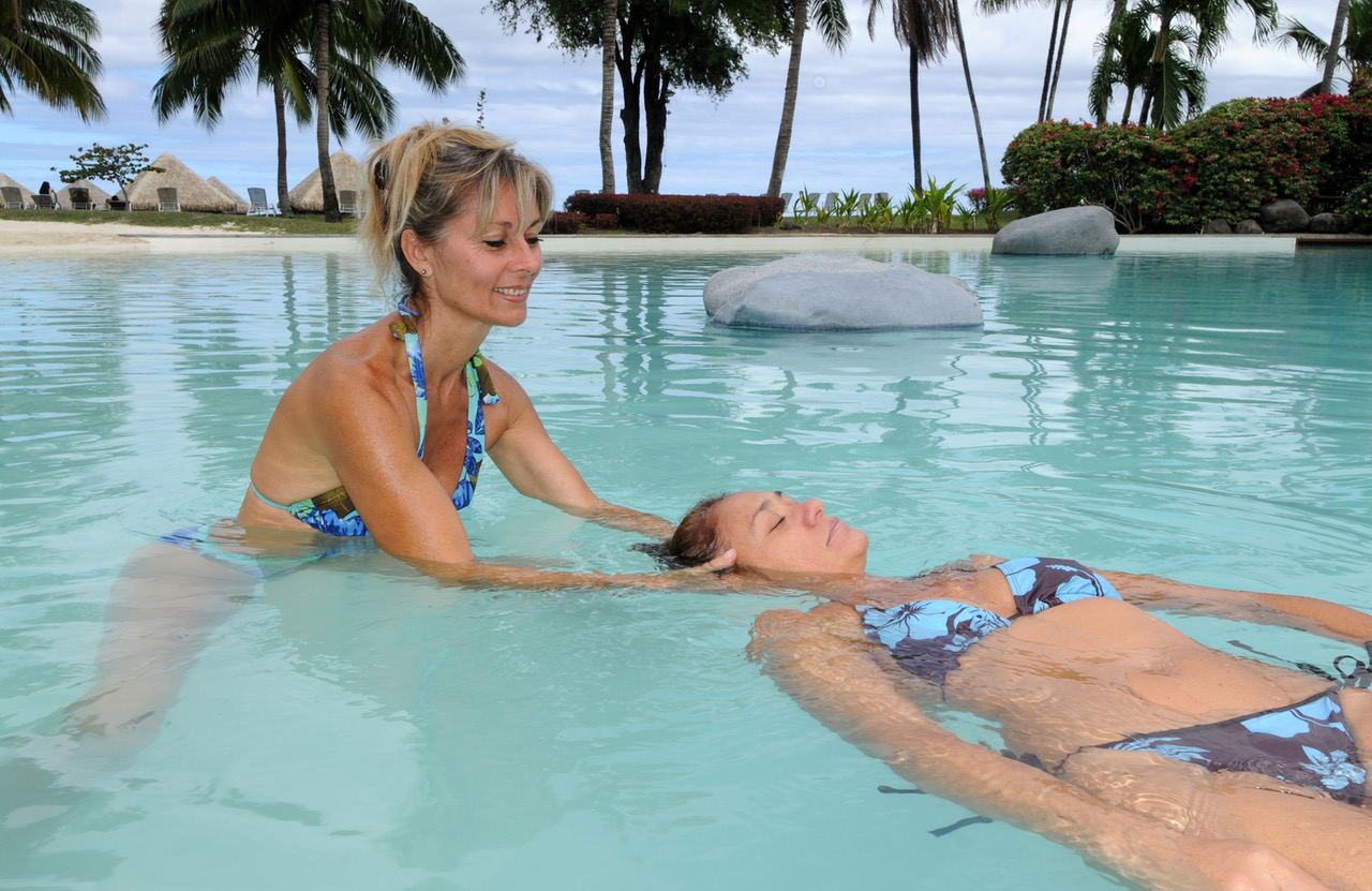 Massage aquatique Tahitien®, une spécialité de l'école internationale Tahiti massage®