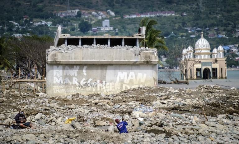 Indonésie: des milliers d'enfants sans toit six mois après le séisme de Palu