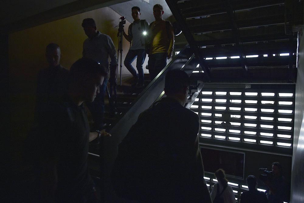"""Le Venezuela de nouveau dans le noir, le gouvernement dénonce une """"attaque"""""""